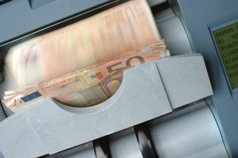 Geld-Abhol- und Bringdienste